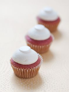 Strawberry Champagne Cupcakes // #dessert #cupcakes #booze // had them for NYE. HUUUUGE hit. -gf