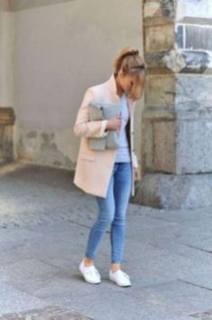 Best Spring Outfits With White Sneakers 12
