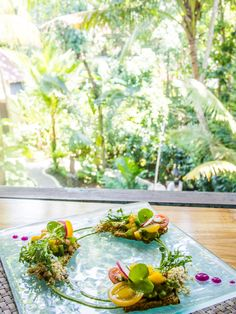Ubud Vegan food - raw almond tostadas at Fresh