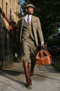 Black men are very stylish and conscious about their looks, that's why black men fashion clothing are designed with intensive care. Men In Black, Black Boys, Fashion Moda, Golf Fashion, Mens Fashion, Fashion Outfits, Fashion Menswear, Fashion Ideas, Fashion Tips