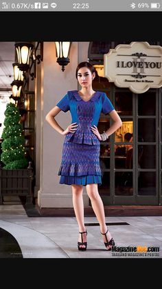 Frock Fashion, Batik Fashion, Skirt Fashion, Fashion Dresses, Model Dress Batik, Batik Dress, Kebaya Dress, Dress Pesta, Traditional Fashion