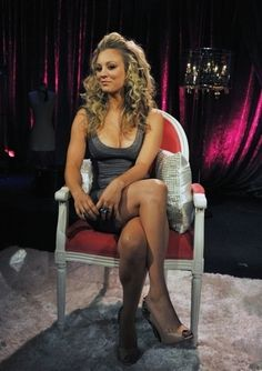 Kaley Cuoco is an American actress known for Heaven, 8 Simple Rules, as Billie Jenkins on Charmed and as Penny The Big Bang Theory. Briana Cuoco, Playboy, Kaley Cuoco Body, Kaley Cuocco, Beautiful Celebrities, Beautiful Women, Beautiful Legs, Simply Beautiful, Hot Black Dress
