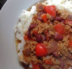 Fakeaway Friday: Slimming World Chilli Con Carne with Boiled Rice Recipe. Syn free on Extra Easy Slimming World Chilli, Slimming World Menu, Slimming World Fakeaway, Slimming World Recipes, Healthy Eating Recipes, Spicy Recipes, Clean Recipes, Healthy Snacks, Cooking Recipes