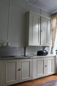Kitchen Interior, Kitchen Decor, Kitchen Design, Kitchen Ideas, Cottage Kitchens, Butler Pantry, House 2, Villa, Decoration