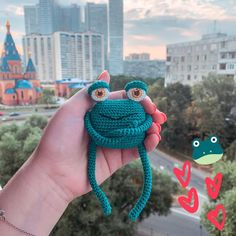 How do you like this serious frog? Crochet Frog, Textiles, Kids, Internet, Community, Dolls, Amigurumi, Young Children, Baby Dolls