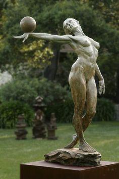 Balance (Peinture), 7,5 ft par Paige Bradley Bronze sculpture