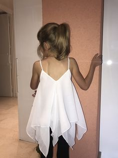 Coser un vestido o un top Océane - Tuto Couture DIY Baggy Dresses, Nice Dresses, Tulle Flower Girl, Blog Couture, Scarf Dress, Fairy Dress, Couture Sewing, Couture Tops, Fashion Sewing