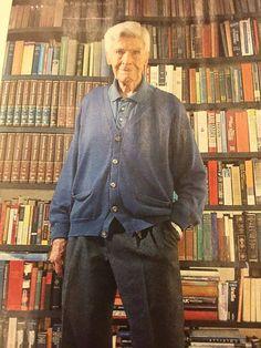 Un intelectual reconocido en el mundo 95 años MARIO BUNGE , pone como palabra clave la Solidaridad , buen reportaje en la revista Viva de hoy domingo