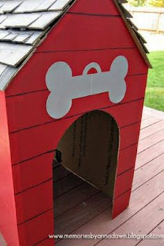 Bukky- Snoopy's Doghouse- Very creative diy Snoopy's doghouse using cardboard! This would cost next to nothing and would also look great. We could paint the cardboard red, since Snoopy's doghouse in the play was red.To show how festive Snoopy is, colourful Christmas lights can be added.
