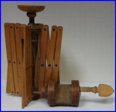 Shaker Sewing Swift Yarn Winder