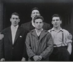 reg and ronnie The Krays, Twin Photos, Identical Twins, Marmite, Twin Brothers, Gangsters, Double Trouble, Mafia, Vintage