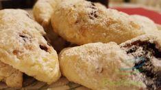 Cornulete fragede din smantana cu gem de prune - Retete pline de culoare Mai, Bread, Cookies, Desserts, Crack Crackers, Tailgate Desserts, Deserts, Brot, Biscuits