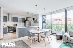 Moderno apartamento con encantador diseño interior y terraza de 20 metros. www.pads.com.co