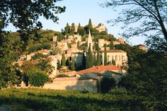 Dating from the middle ages, La Roque-Sur-Cèze is a small stone-built village nestled on the side of a wooded hill.