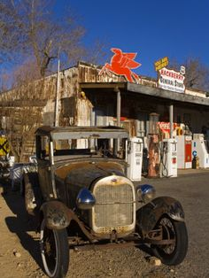 General Store & Route 66 Museum.