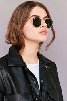 16 awesome ray ban circular sunglasses smart ideas - ray ban g в 2019 г. Ray Ban Round Sunglasses, Sunglasses Women, Winter Sunglasses, Trending Sunglasses, Sunglasses Sale, Mirrored Sunglasses, Ray Ban Mujer, Urban Outfitters Sunglasses, Urban Outfitters Women