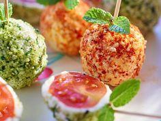 Découvrez la recette Billes de tomates cerise au chèvre frais sur cuisineactuelle.fr.