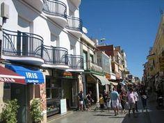 Apartotel Iris  Description: In het centrum van Malgrat de Mar. Strand op ca. 100 m diverse bars en restaurants in de nabije omgeving.  Price: 247.00  Meer informatie  #beach #beachcheck #summer #holiday