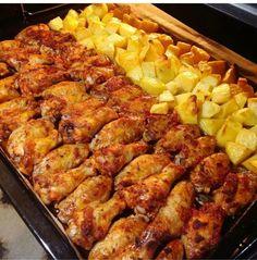 FIRINDA SOSLU tavuk Sevdiğiniz baharatlar ve salça ve zeytinyağı su yok afiyetle...