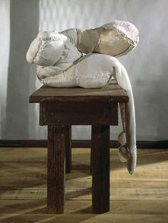 Textile Sculpture, Stone Sculpture, Abstract Sculpture, Sculpture Art, Metal Sculptures, Louise Bourgeois, Textiles, Queer Art, Human Art