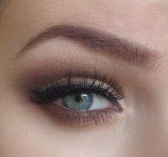 This girl has great tips on eye makeup.
