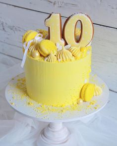 Lemon Birthday Cakes, Cute Birthday Cakes, Cake Cookies, Cupcake Cakes, Yellow Desserts, Lemon Party, Rainbow Food, Drip Cakes, Cakes And More