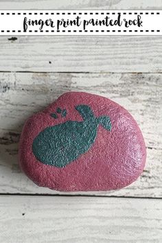 Make a special keepsake with this DIY Painted Rock project from Everyday Party Magazine #RockPainting #PaintedRock #ThumbprintArt