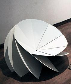 Bloom, silla de diseño inspirada en la papiroflexia de Eerang Park