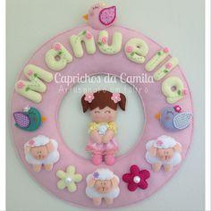 Enfeite porta maternidade menina! Orçamentos por e-mail: caprichosdacamila@gmail.com ou inbox no facebook: Caprichos da Camila