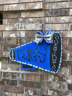 New Basket Ball Painting Ideas Door Hangers Ideas Cheerleading Decorations, Cheer Locker Decorations, Cheerleading Gifts, Cheer Gifts, Softball Gifts, Basketball Gifts, Cheer Spirit, Spirit Gifts, Homecoming Floats