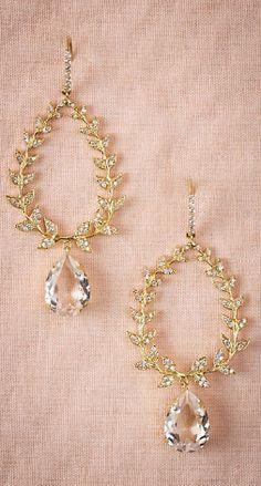 Gorgeous wreath chandelier earrings.