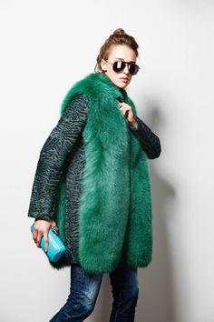 #fashion #furs #astrakhan #каракульча #mink #furcoat #emarald #меховоепальто #шуба #изумруднаянорка