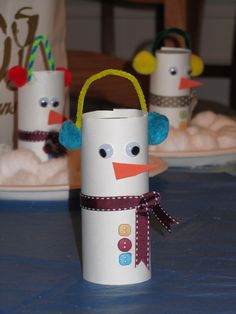 ROCmomma: Toilet-Paper Tube Snowman Craft