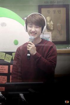 D.O, when you smile sun shine. Baekhyun Chanyeol, When You Smile, Your Smile, Luhan And Kris, He Makes Me Happy, Chansoo, Fandom, Cute Little Boys, Exo Do
