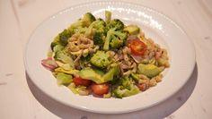 Pastasalade met avocado en kip - recept | 24Kitchen