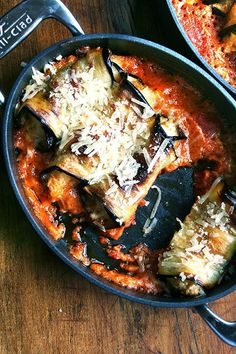 A most delicious vegetarian entree to celebrate the height of eggplant season: involtini. In this Italian classic, ricotta-stuffed parcels bake with homemade tomato sauce and cream, a perfect way to celebrate eggplant season. Clean Eating, Healthy Eating, Homemade Tomato Sauce, Vegetarian Entrees, Eggplant Recipes, Eggplant Dishes, Cooking Recipes, Healthy Recipes, The Fresh