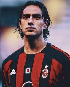 Nesta Ac Milan World Football, Football Soccer, Football Players, Alessandro Nesta, Paolo Maldini, Champions, Vintage Italian, Ronaldo, Sports