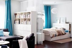 Studio Apartment Decorating Ideas - A studio apartment is a small living space that include a living room, bedroom, kitchen and a bathroom. A studio apartment usually cheap and so are so. Apartment Room, Small Living Rooms, Curtains Living Room, Apartment Living Room, Studio Apartment Decorating, Small Bedroom Layout, Small Space Storage Apartment, Bed Frame With Drawers, Bedroom Layouts
