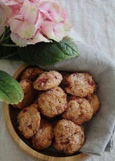 jordbærcookies Strawberry Cookies, Fika, Hygge, Scones, Muffins, Breakfast, Ethnic Recipes, Desserts, Mat