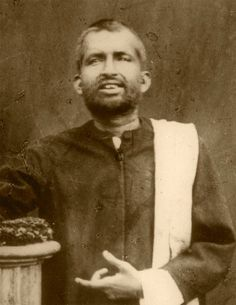 Shri Ramakrishna Vivekananda's Guru. God Pictures, Rare Pictures, Historical Pictures, Rare Photos, Indian Saints, Saints Of India, Spiritual Figures, Spiritual Images, Real Life Heros
