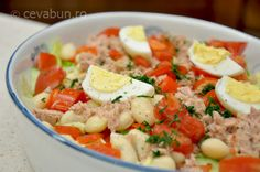 Salată cu fasole, ton și ardei copt Tapas, Avocado Salad Recipes, Gym Food, Romanian Food, Weekly Menu, Potato Salad, Main Dishes, Food And Drink, Cooking Recipes
