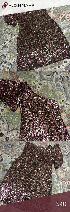 Love Reign sequin one shoulder fitted party dress Love Reign sequin one shoulder fitted party dress. Pink & gold sequins on black backing. Size S. Worn only twice. NYE & for photo shoot. Love Reign Dresses One Shoulder