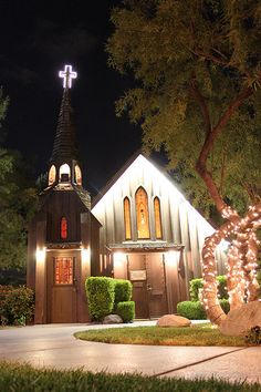 Little Church of the West at night. Same place Elvis got hitched