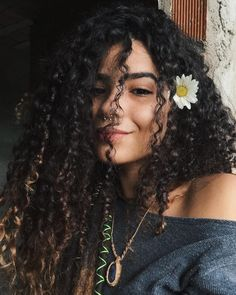 Image about girl in curly inspiration by Maýra Araújo Wild Curly Hair, Curly Girl, Curly Hair Styles, Natural Hair Styles, Natural Curls, Hair Inspo, Hair Inspiration, Girls Heart, Shooting Photo