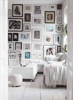 Just+remember:+a+gallery+wall+is+the+best+way+to+showcase+YOUR+personality+in+a+room!
