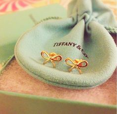 Super cheap, Tiffany  Co outlet in any style you want. check it out! Just Only  $19.95.