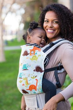 Baby Tula's 'Tulasaurus' baby carrier can be used in both front carry and back carry, and allows for babywearing from infants to toddlers. A ROAR-tastic design of dinos makes this Tula carrier a prehistoric sight of fun! Part of our limited edition Tula Baby Carriers, 'Tulasaurus' has a playful design of various dinosaur buddies against a light blue background with our light gray canvas. 'Tulasaurus' has a lovable, kid-friendly feel while being modern and on trend.