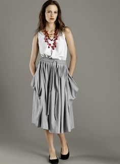cute baggy skirt with pockets--every skirt should have pockets!
