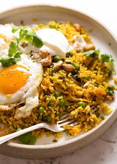 Arroz Al Curry, Curry Rice, Curry Fried Rice, Curry Recipes, Vegetarian Recipes, Cooking Recipes, Healthy Recipes, Dishes Recipes, Cooking Tips