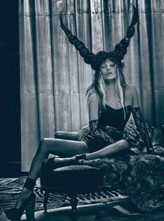 fass-kate-moss-cover-story-march-2012-07-l-300x404.jpg 300×404 pixels